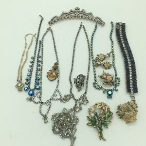 Lot of vintage rhinestone jewelry for craft